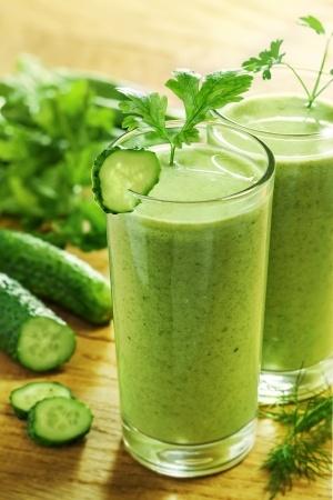 grüne smoothies gesunde obst- und gemüsedrinks